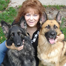 photo of Nissa, Mom and Riley